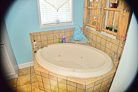 Bottom Floor Master Bath Tub