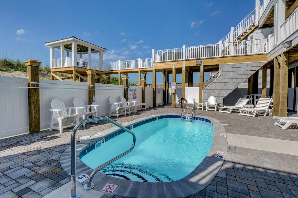 Courtyard with Hot Tubs & Heated Pool