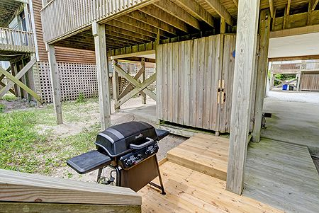 Enclosed Outdoor Shower - Grilling Area