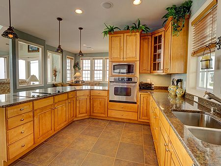 Kitchen - Spacious Cabinetry & Counters