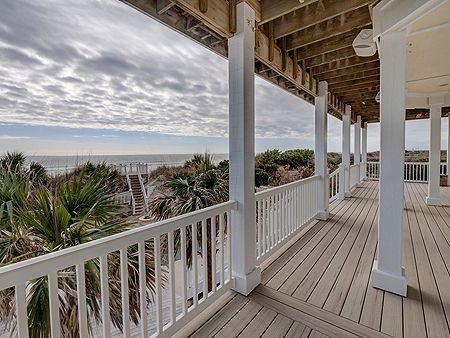 Oceanfront Covered Porch - 1st Level