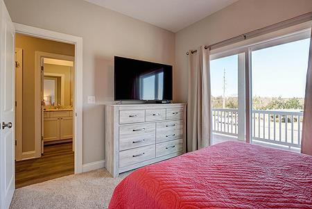 1st Level Queen Bedroom - Additional View