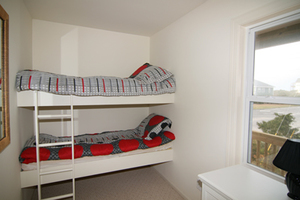 Bedroom 4 with built-in bunks
