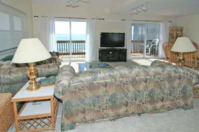 Living area with fantastic ocean view