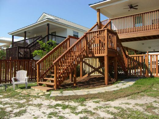 Access to Backyard from Rear Deck