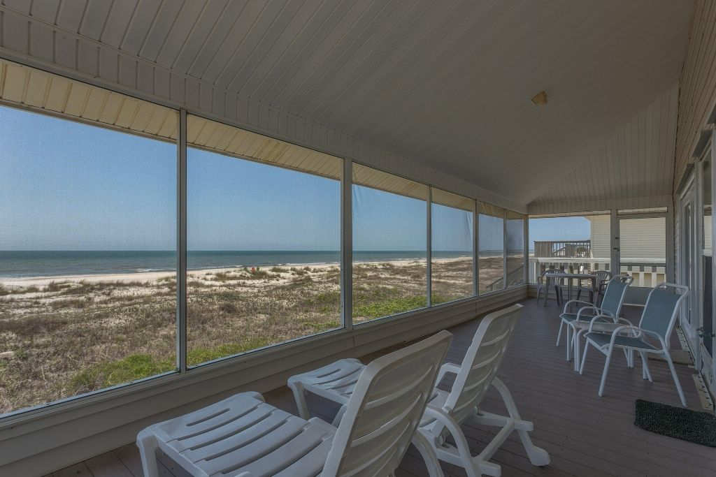 Gulf Front Screened Deck