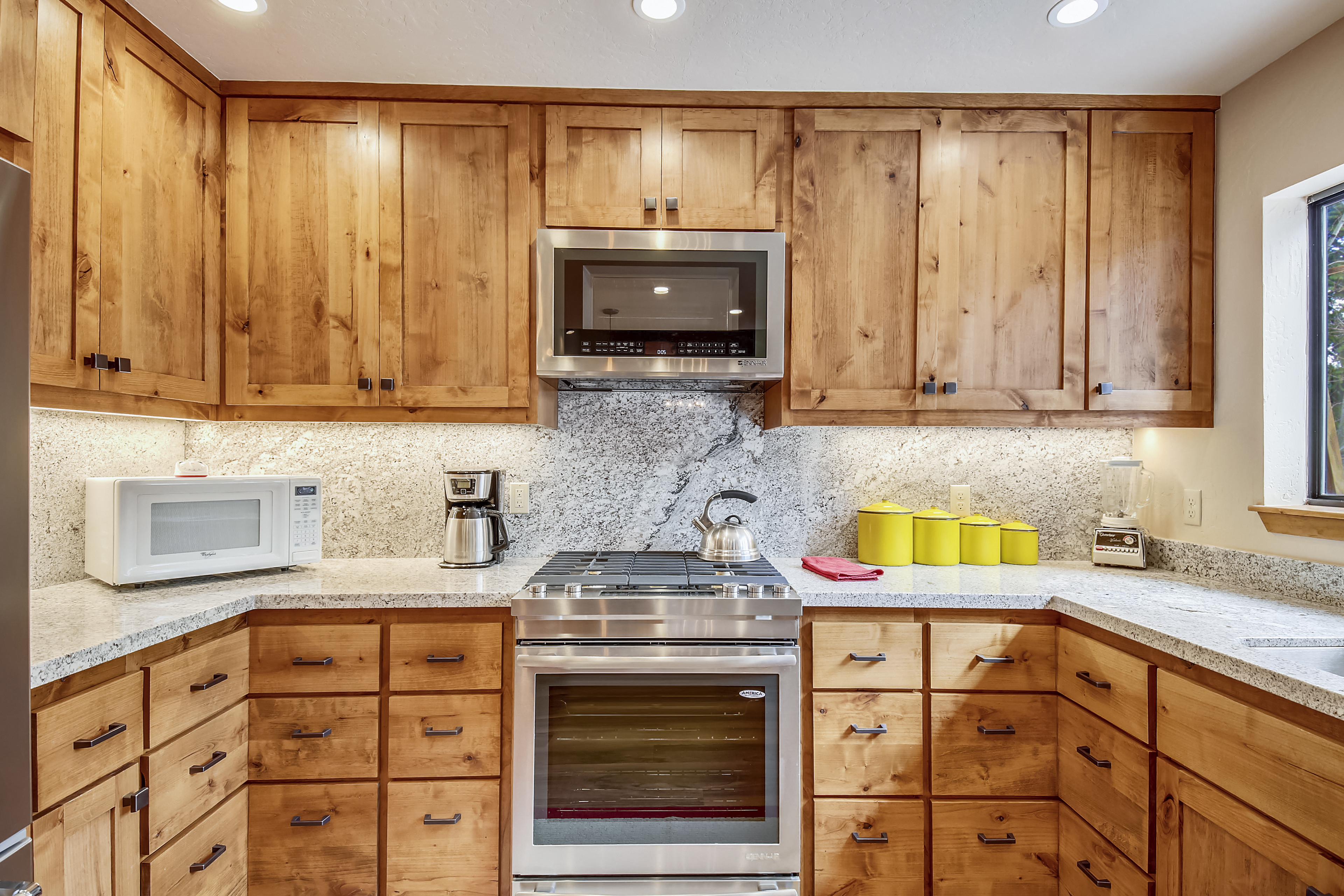 Brand new kitchen and appliances