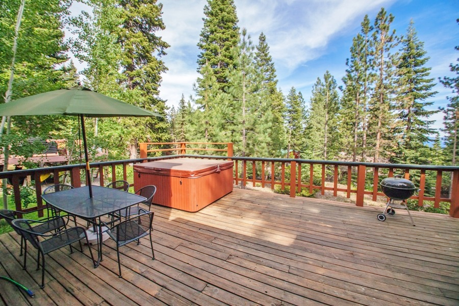 Deck with Dining and Hot Tub