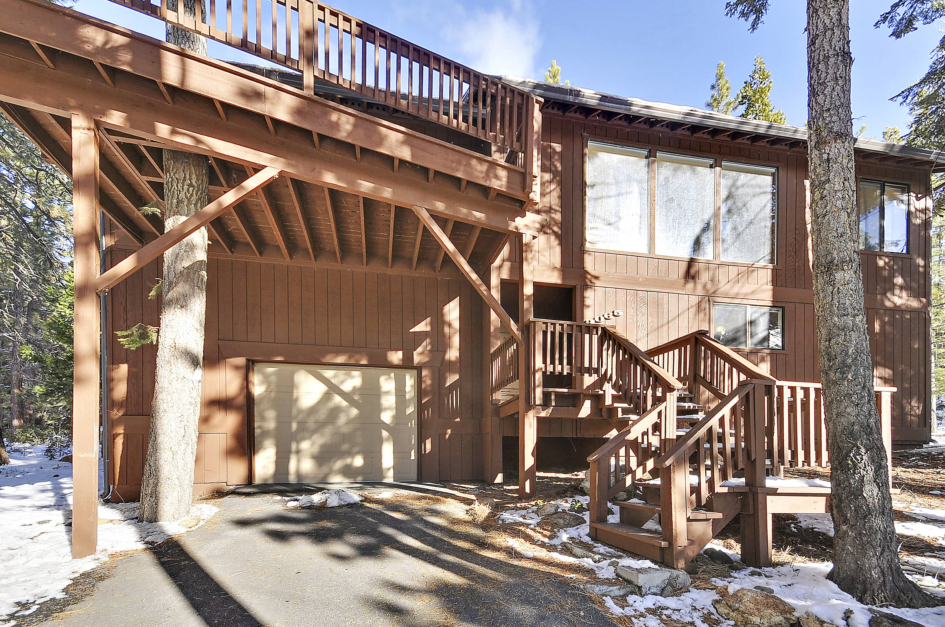 Home for rent in Tahoe City with 3 bedrooms close to the Lake