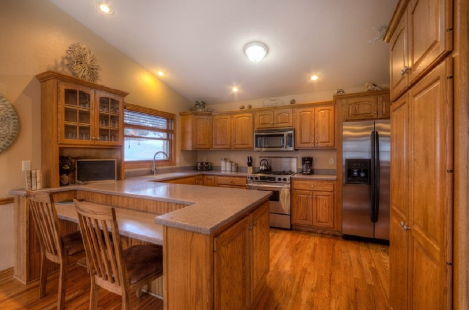 Kitchen - open to dining room