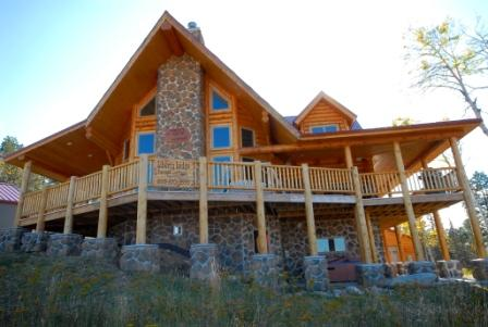 Beautiful Black Hills Lodge, with great views!