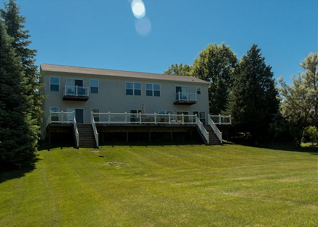 Seneca shores 5 bedroom vacation house rental watkins for Cabin rentals vicino a watkins glen ny