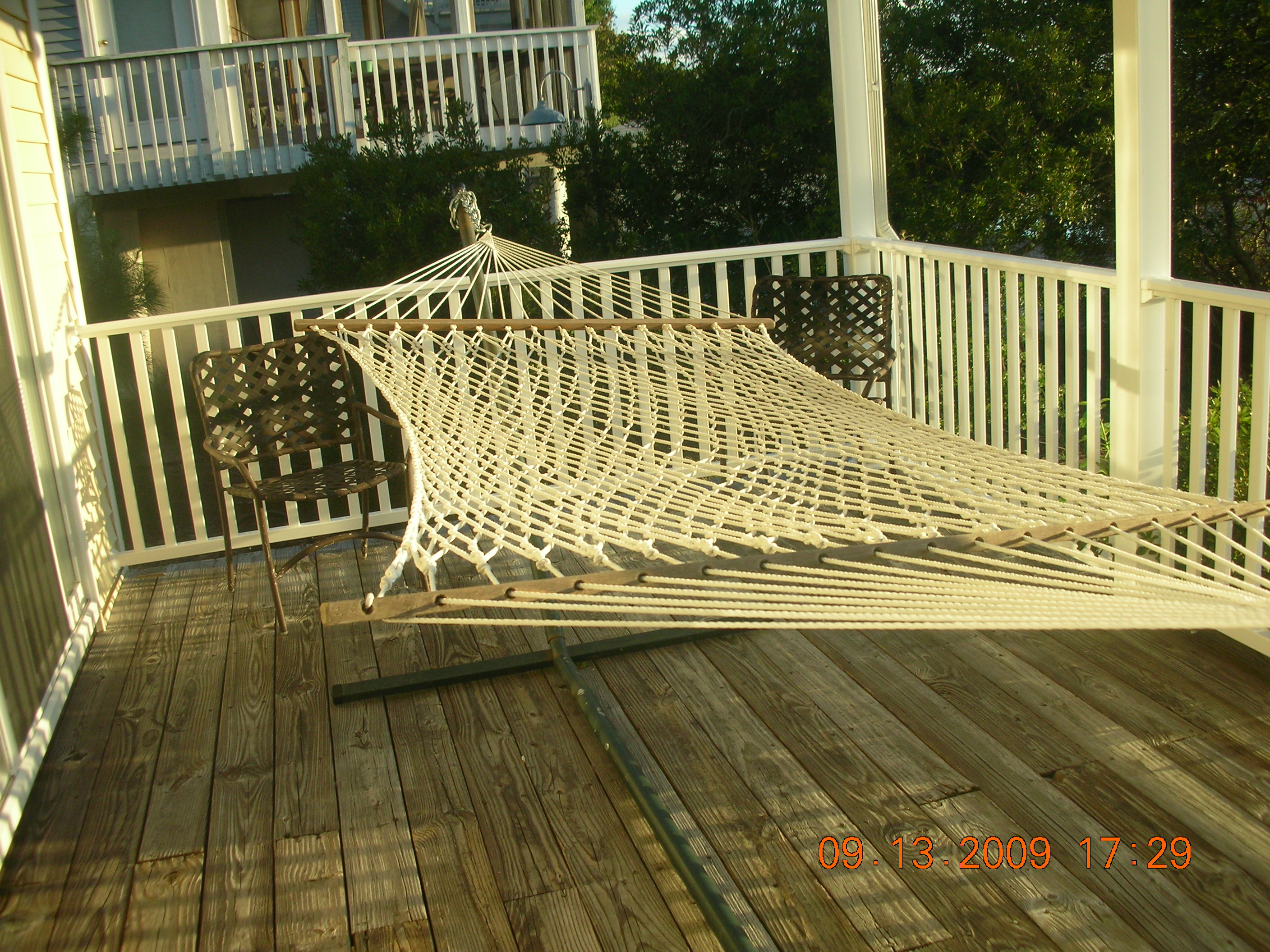 Double hammock on covered deck