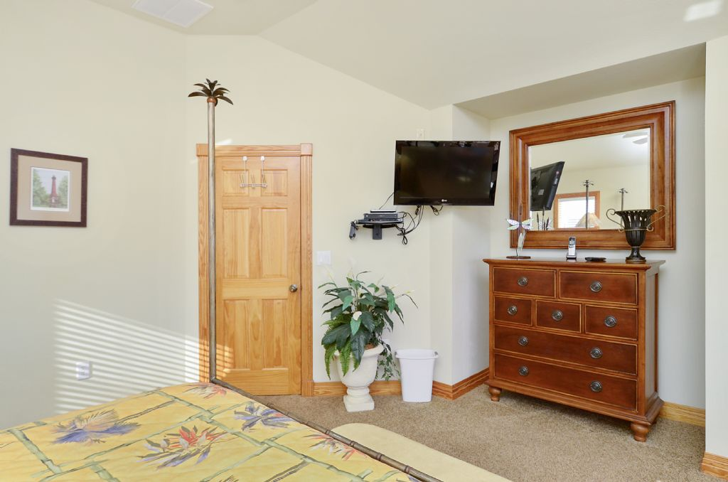 Currituck Beach Bedroom Overview