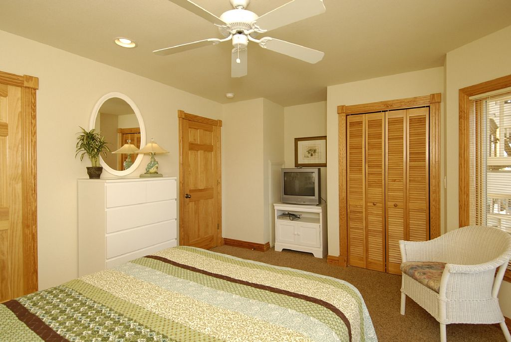 Ocracoke Island Bedroom Overview