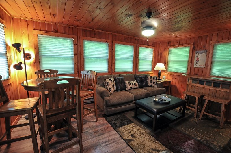 cabins log in cabin rental rentals maryland