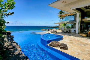 Infinity Edge Pool seamlessly joins with the Pacific