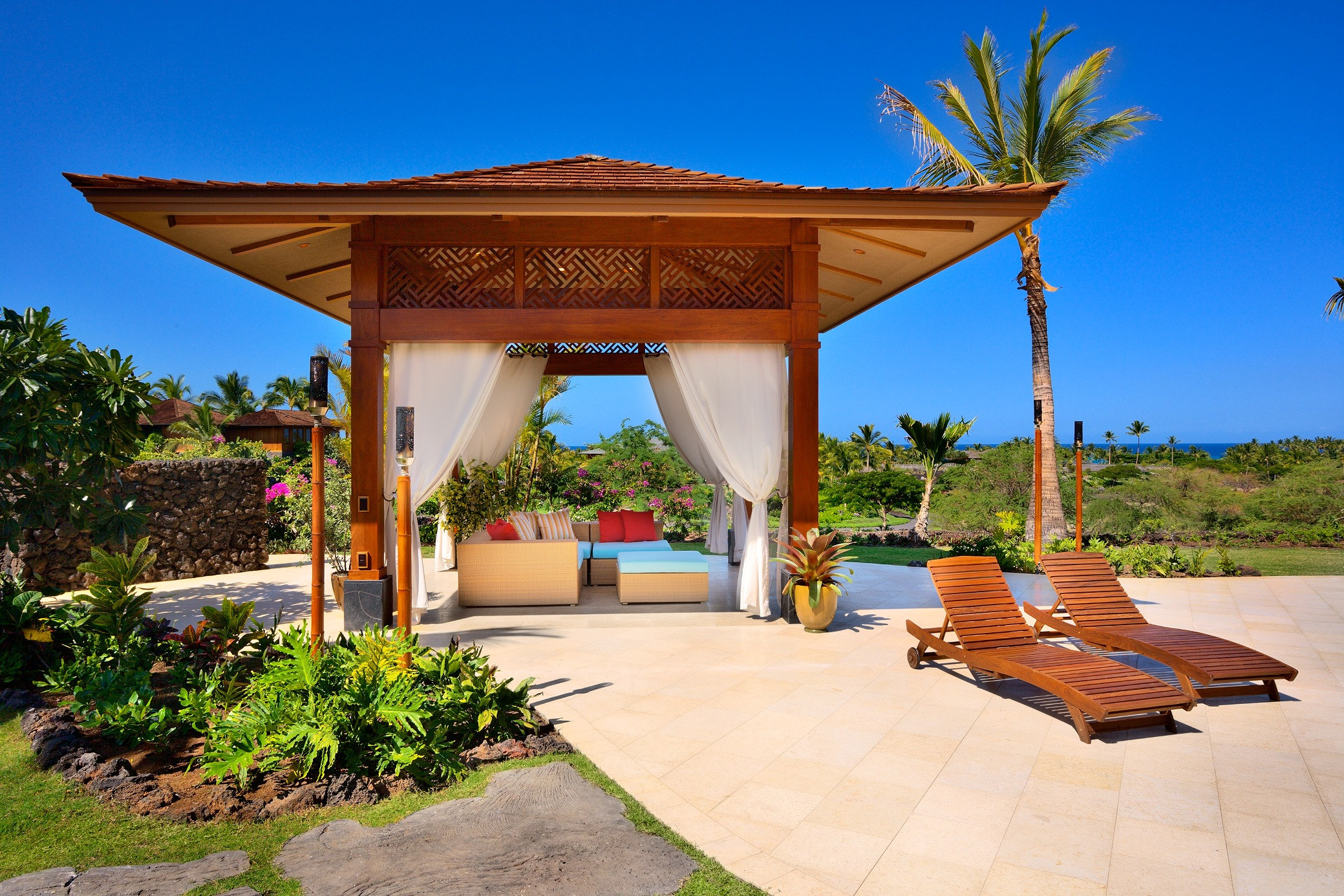 Hawaiian elegance welcome to hawaiian 6440 find for Hawaii package homes