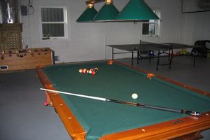 ""\""""Big game room away from the parents.""""""300|200|?|en|2|bbf167eff9fb01966b2fd28230ec2cfb|False|UNLIKELY|0.28671878576278687