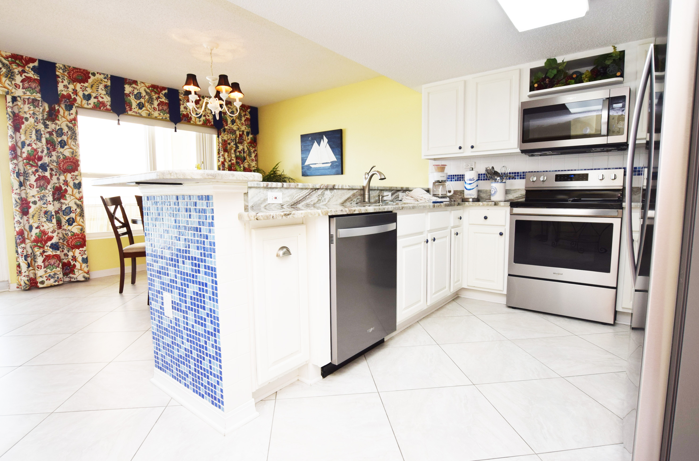 Kitchen - Islander Beach 4009 Fort Walton Beach Okaloosa Island Vacation Rentals