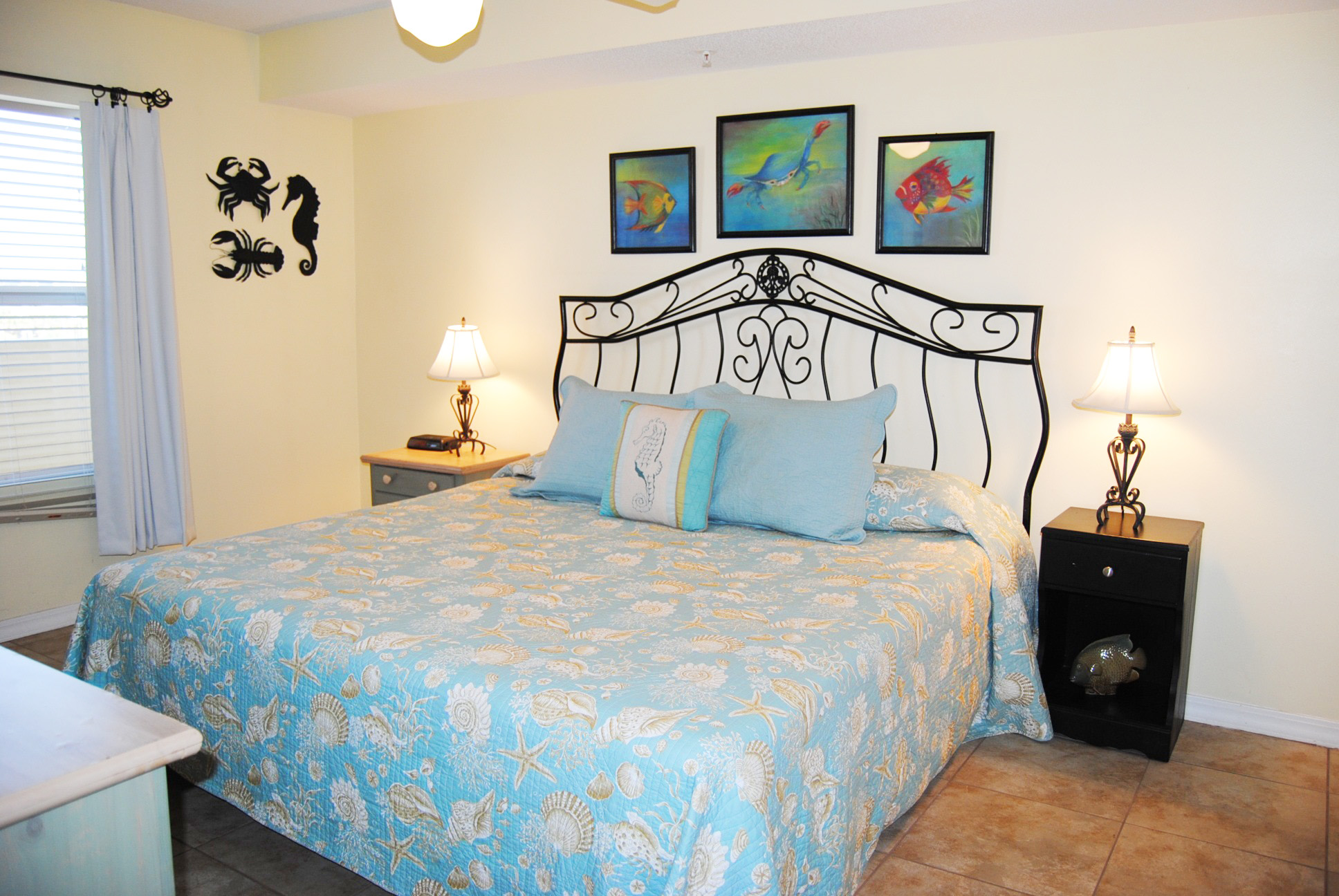 Guest Bedroom with King Bed - Gulf Dunes 304 Fort Walton Beach Florida Okaloosa Island Vacation Rentals