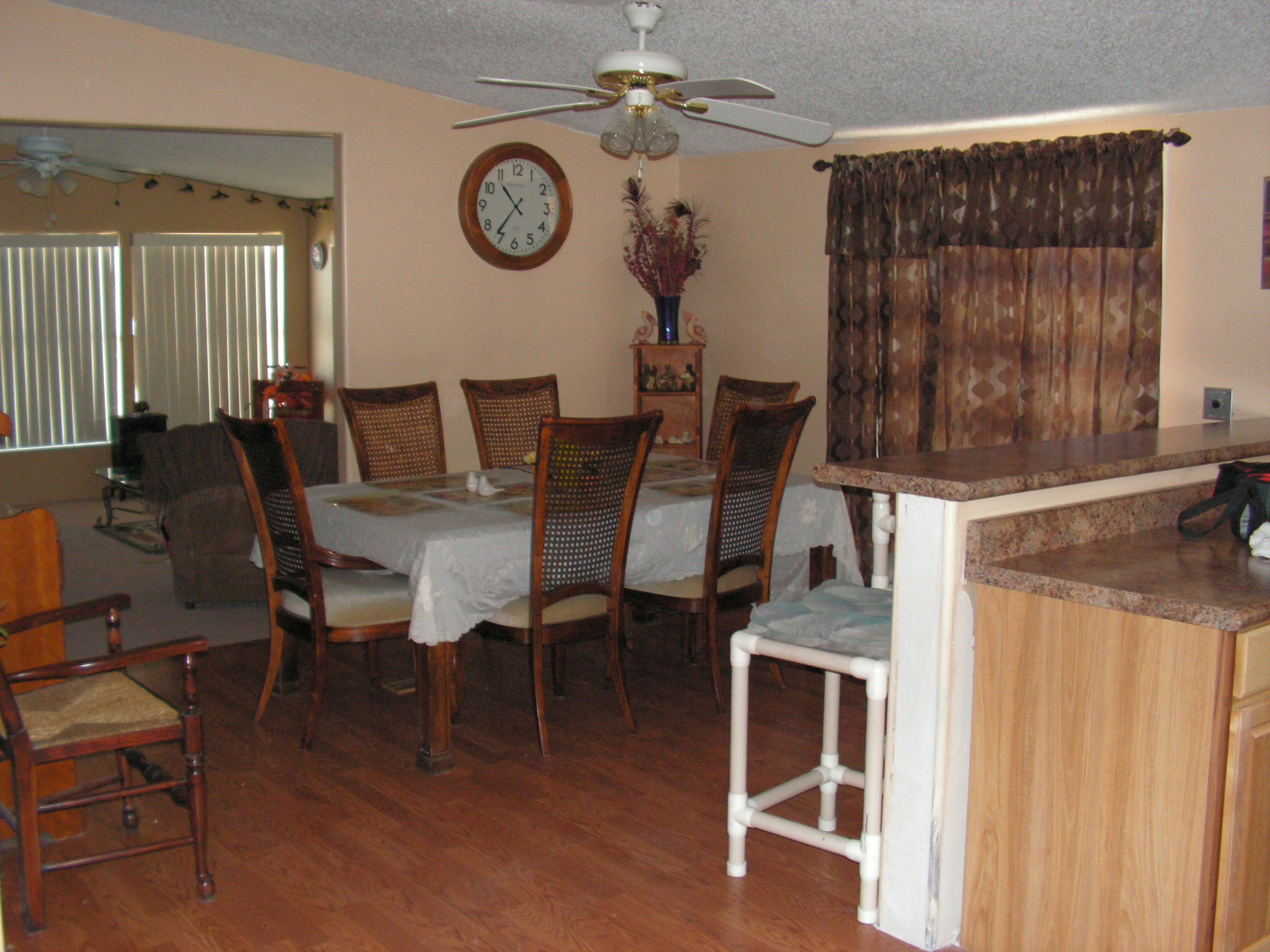 Dining Area - Sits 8 Comfortably