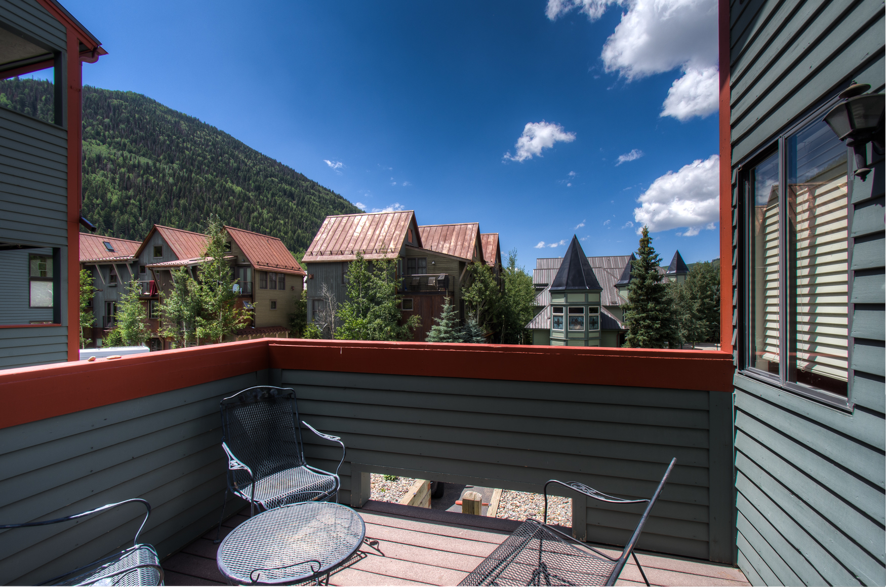 The views never stop on the private balcony!