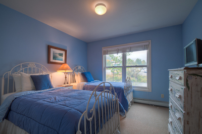 Twin Bedroom can convert to king