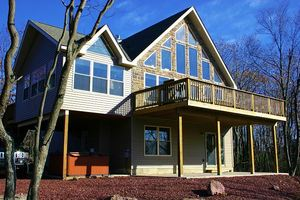 Beaver Creek Cabins PA - Poconos house Rentals Sleeps 20 - 6 Bedrooms - 3 Full Bathrooms- Lake Harmony Estates PA