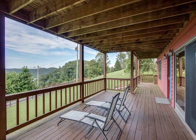 Lake view vacation home rental on Center Hill Lake, TN