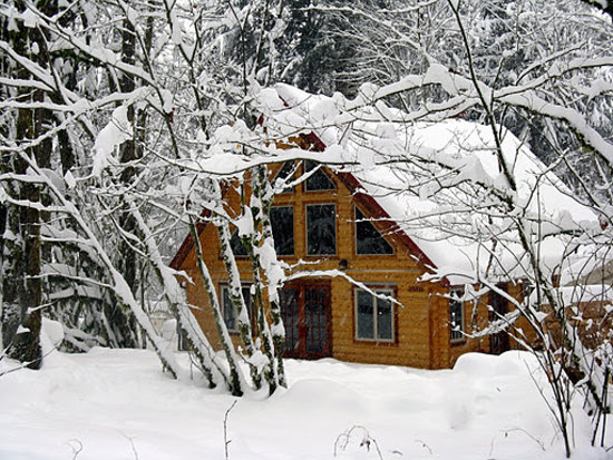 Front of house during the winter.