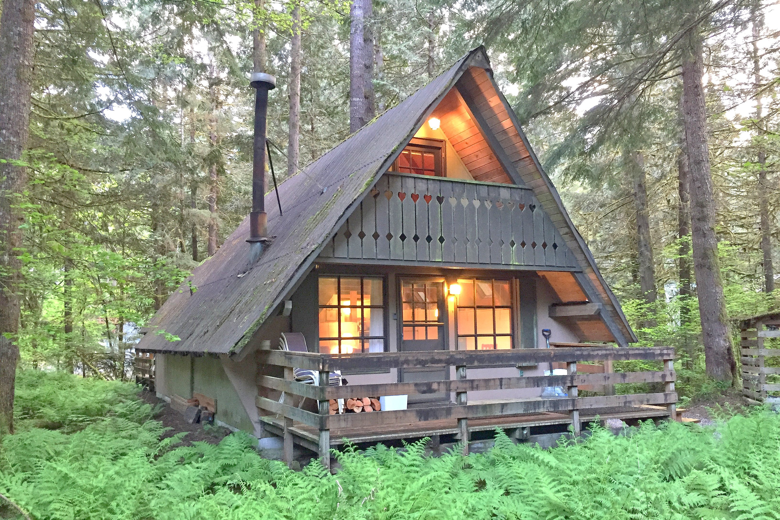 Enjoy this cute rustic cabin