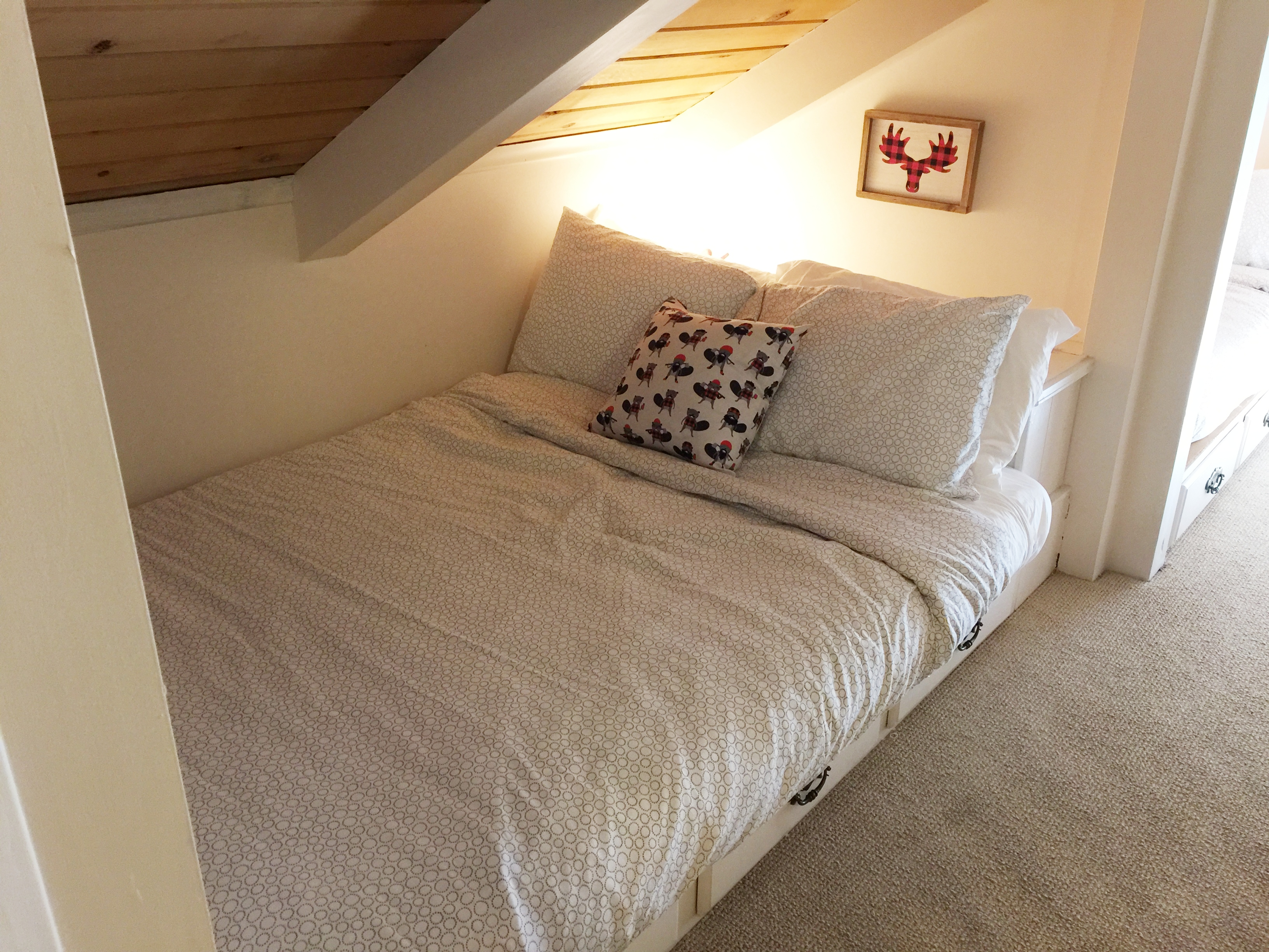 2nd built-in full-size bed for 2