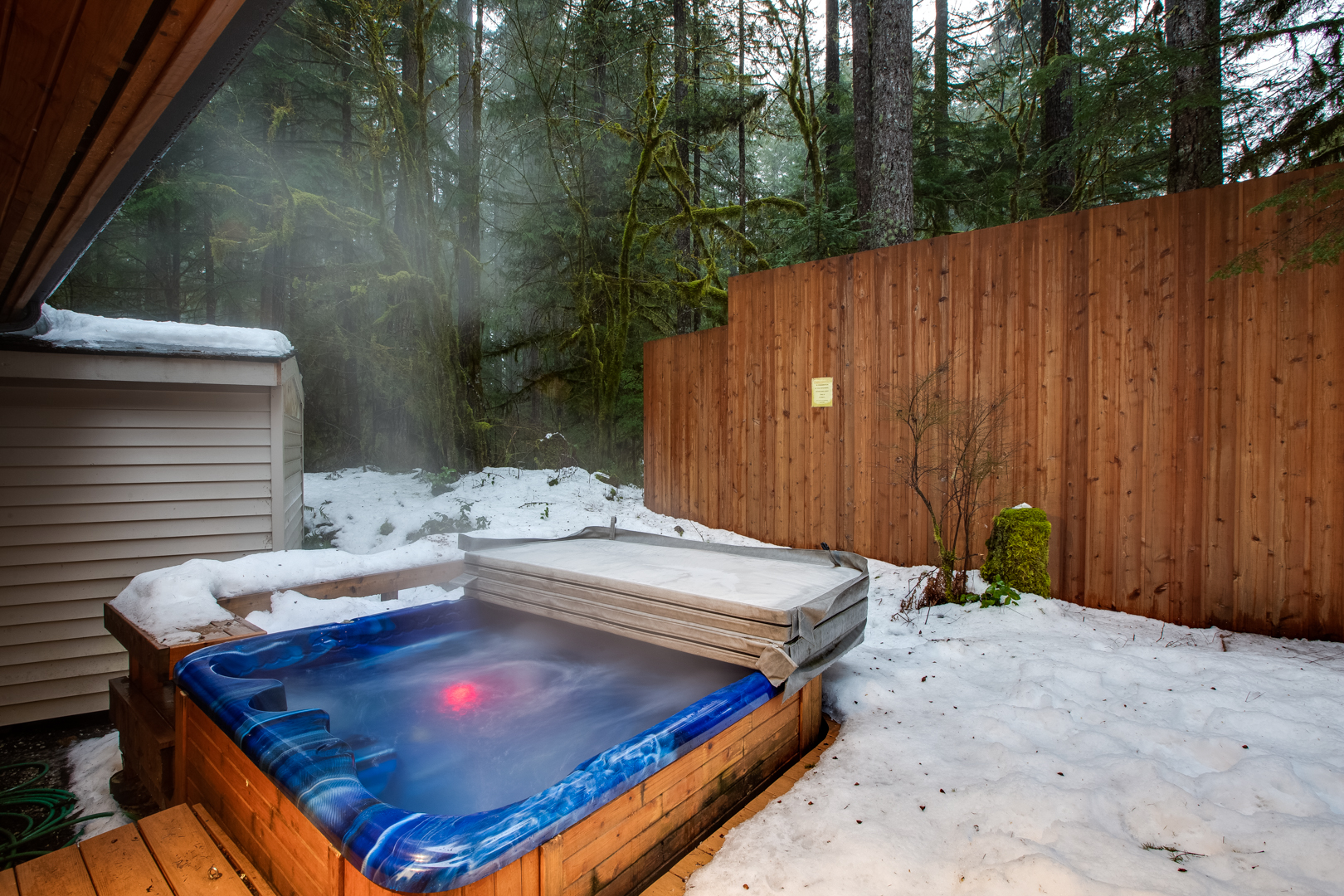 Hot tub during winter