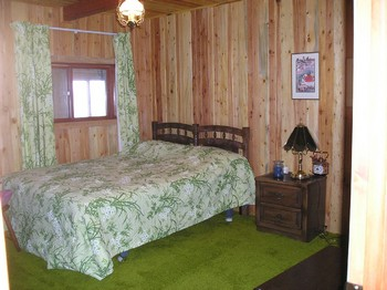 Middle Bedroom, woodsy