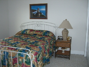 2nd Bedroom - queen w/private bath