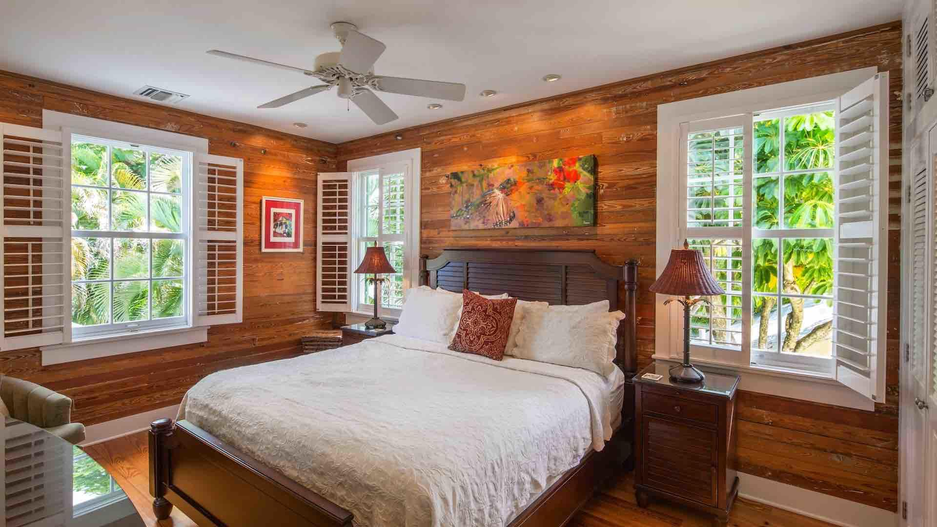 The master bedroom has a very comfortable King bed and elegant artwork…