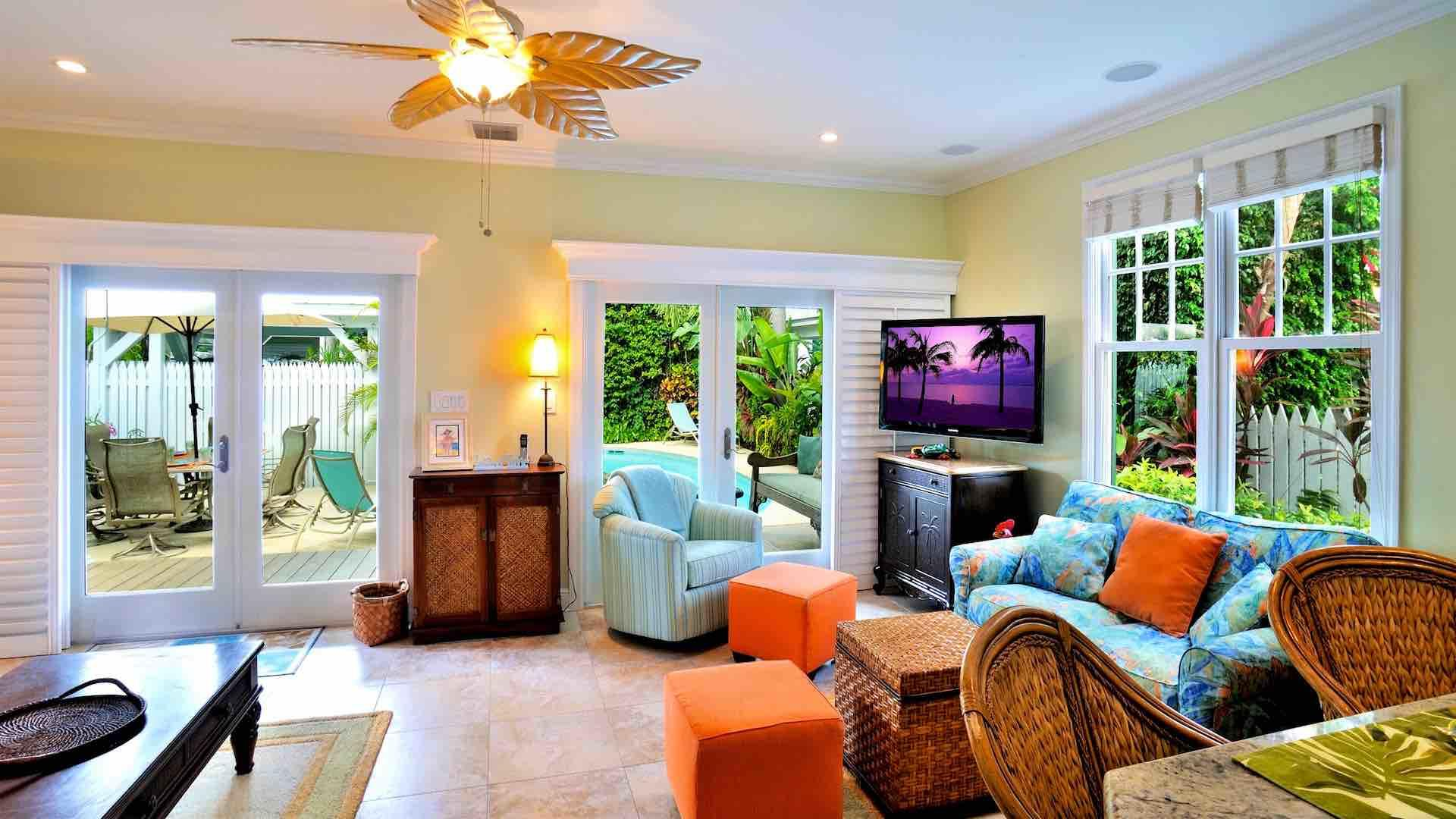 The living area has three sets of French doors to let in those tropical breezes...