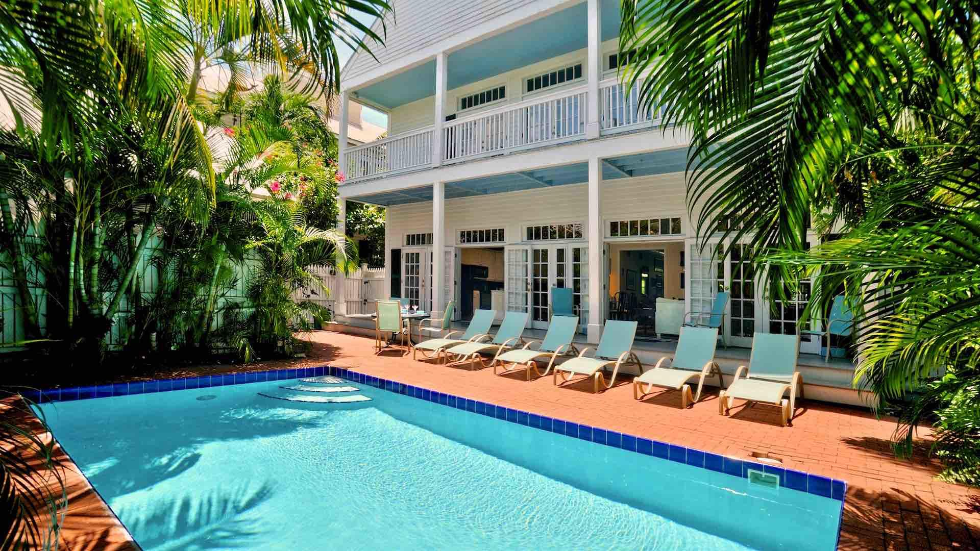 Truman Annex weekly vacation home with 5 bedrooms and large pool and patio in Key West
