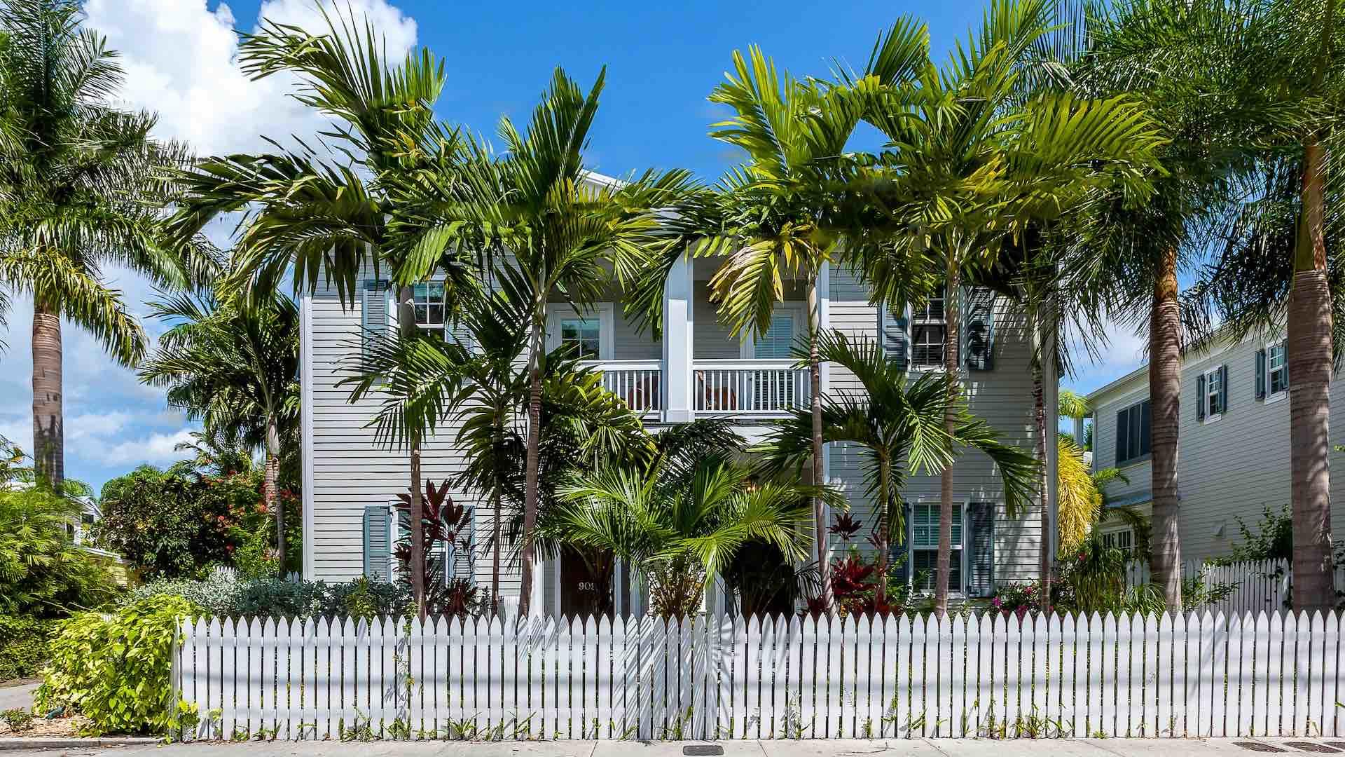 The Ibis & The Crane are two side-by-side two-story townhomes with six large bedrooms, two private pools, off-street parking, and a prime Old Town location...