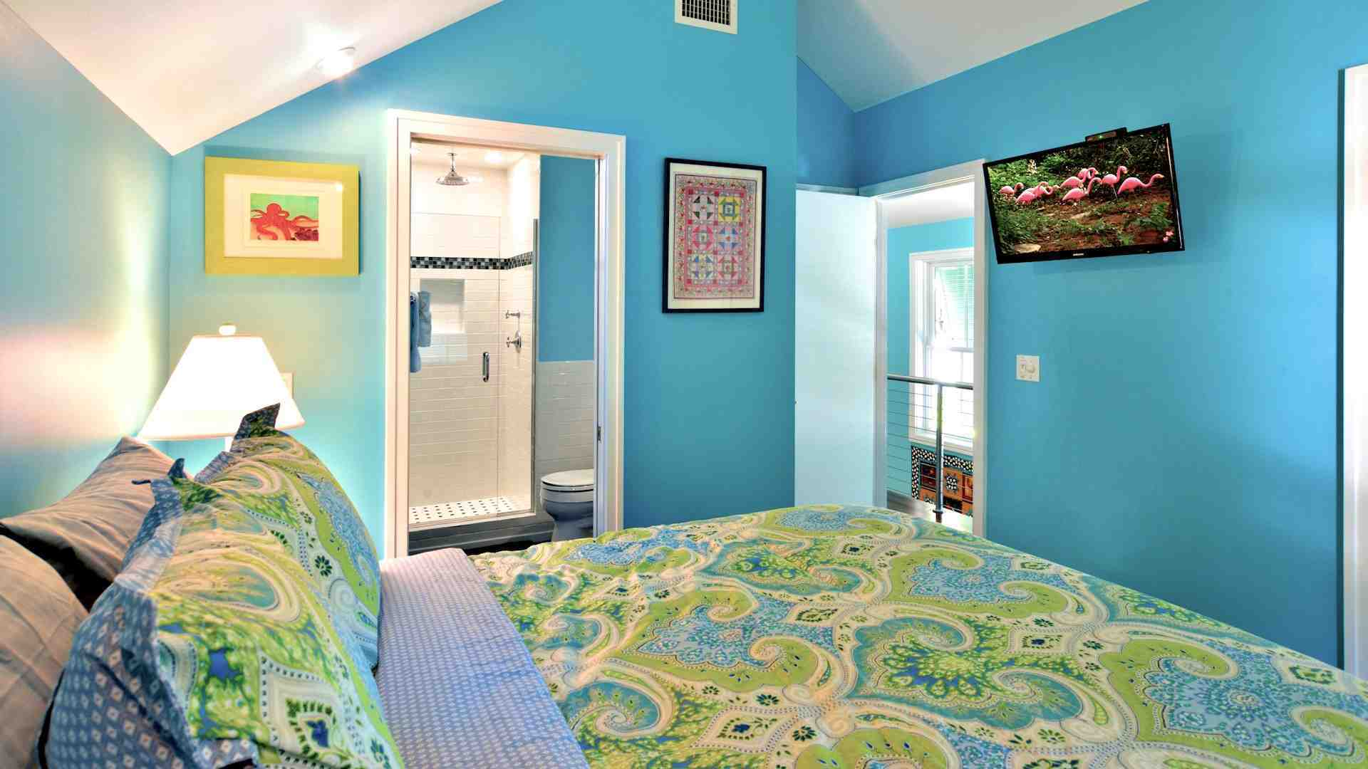 The third bedroom has a Queen bed and flat screen TV...