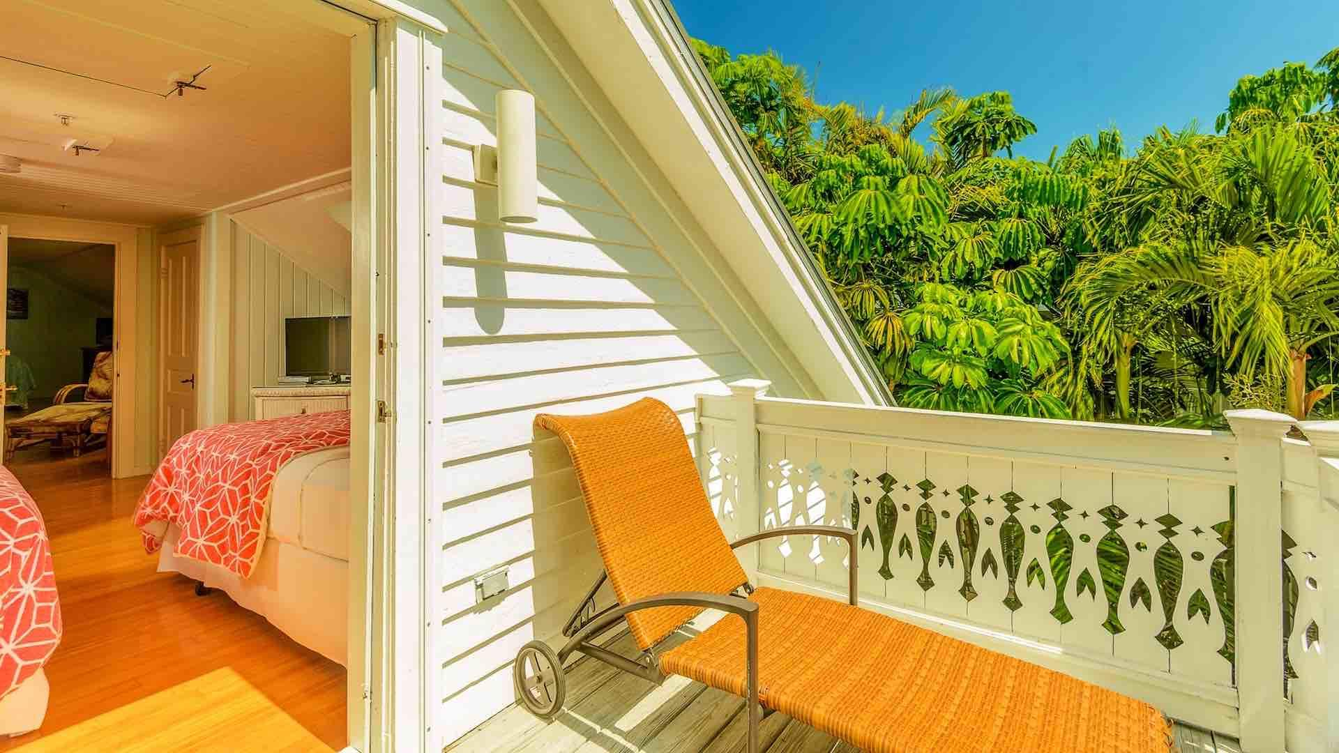 The private sun deck to the fifth bedroom overlooks the whole neighborhood.