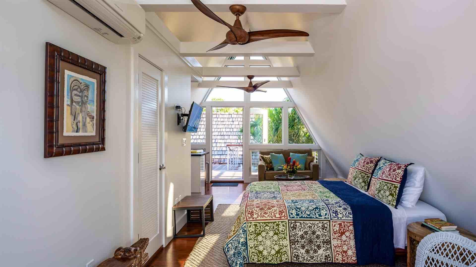 The fourth bedroom has a Queen bed and overhead fans...