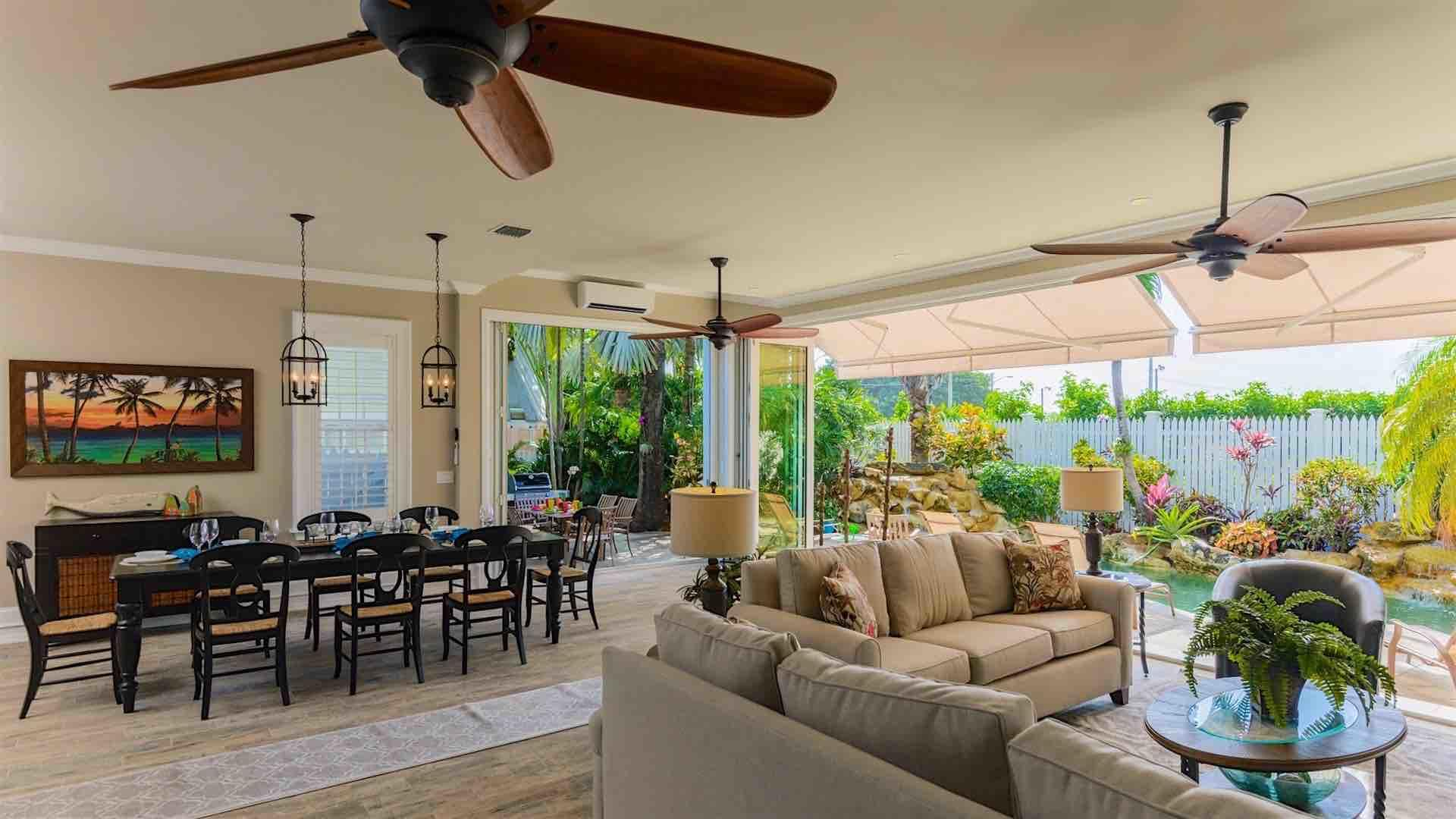 The open plan design is striking, and perfect for entertaining in the tropics...