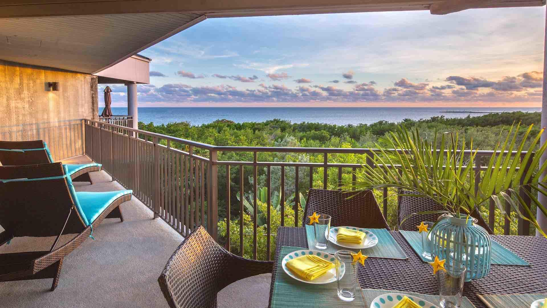 Key West penthouse condo rental with ocean views and 2 bedrooms sleeps 6