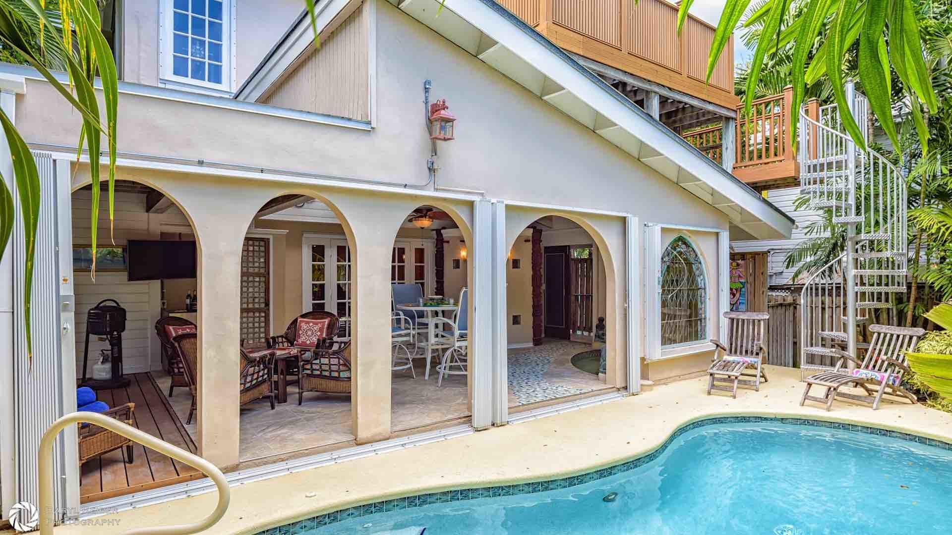 Key West 3 bedroom pet friendly monthly vacation home rental close to the beach and Duval