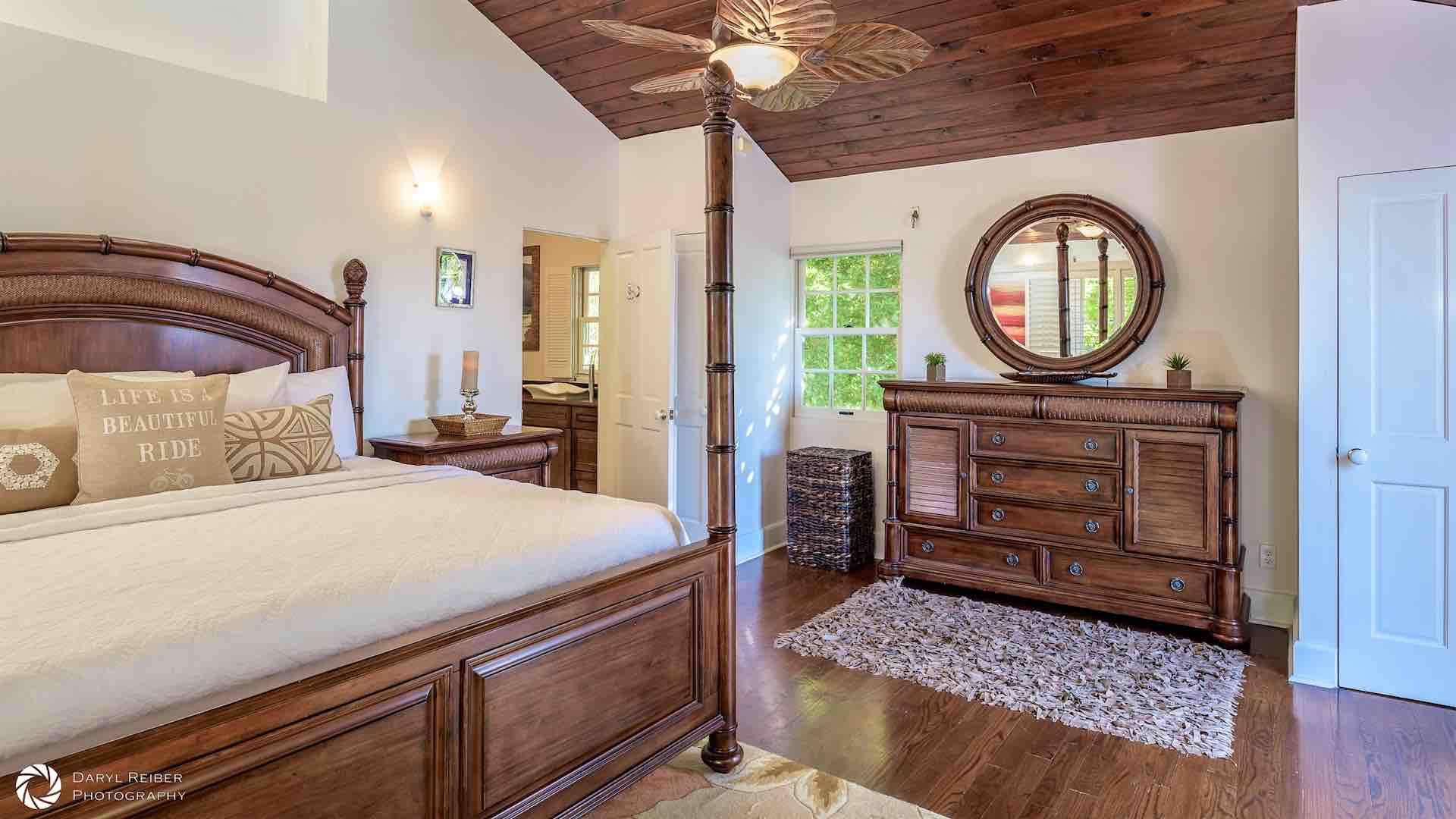 The master bedroom also has two closets and an en suite bathroom...