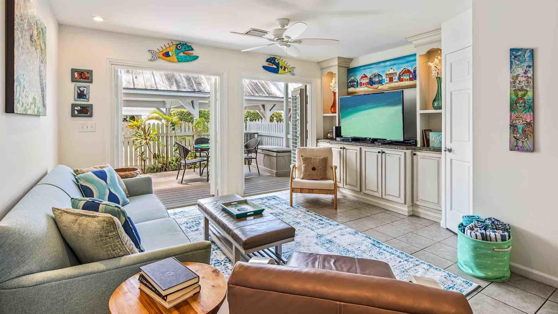 Key West 2 bedroom vacation rental with pool