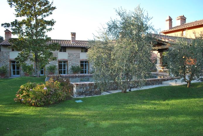 FR-HII MAG - Villa Camelie-Tuscany/Florence-Italy-01