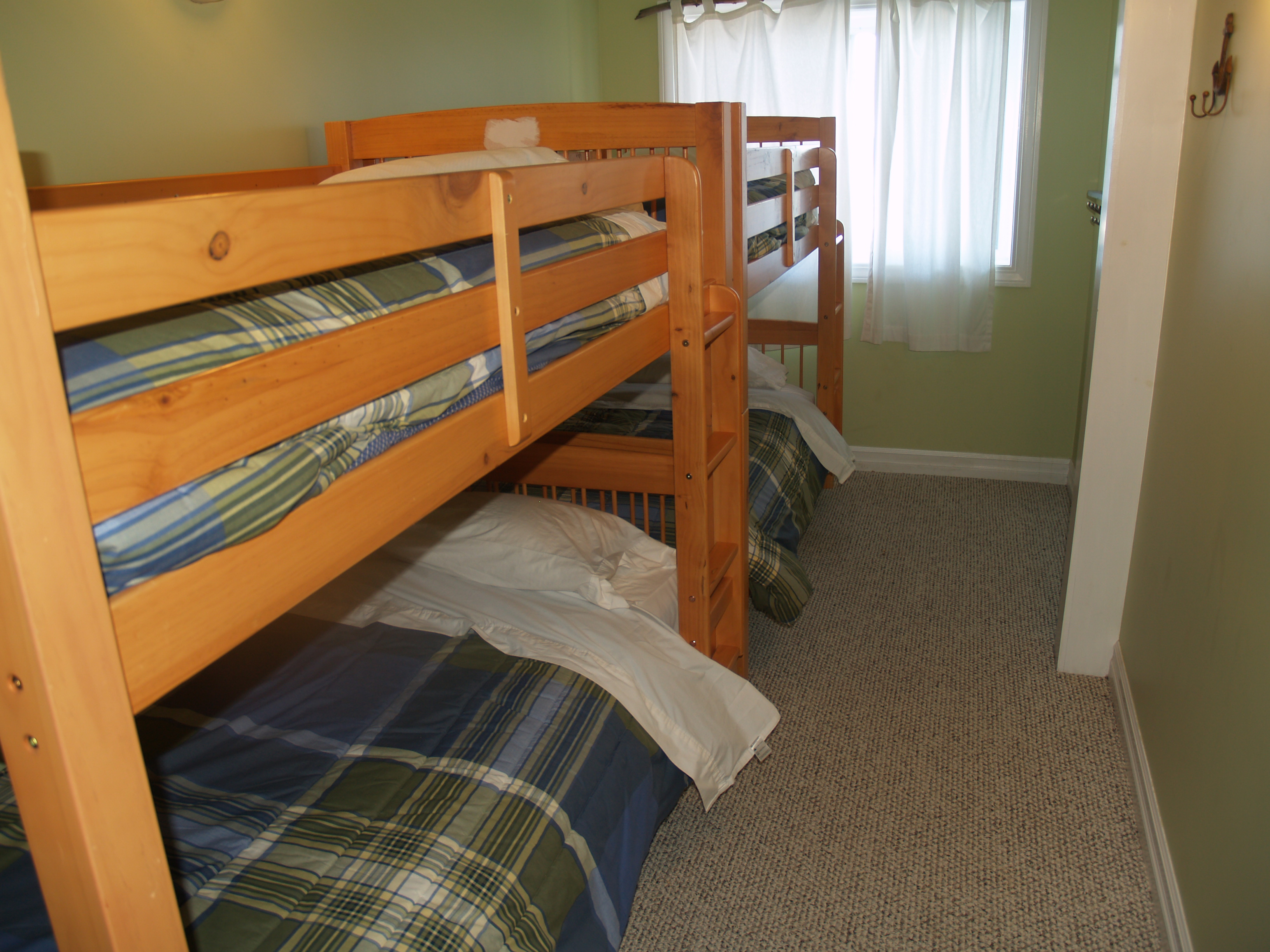 3rd Bedroom with 2 sets of single over single Bunk Beds